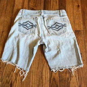 Aeropostale Cut Off Jean Shorts Women Size 3/4